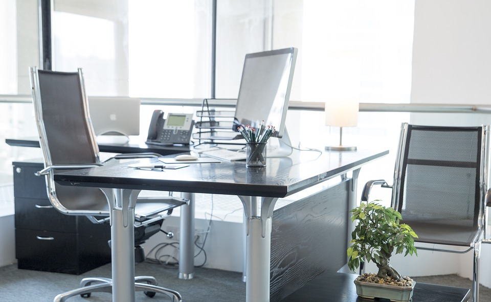 Work station in a serviced office