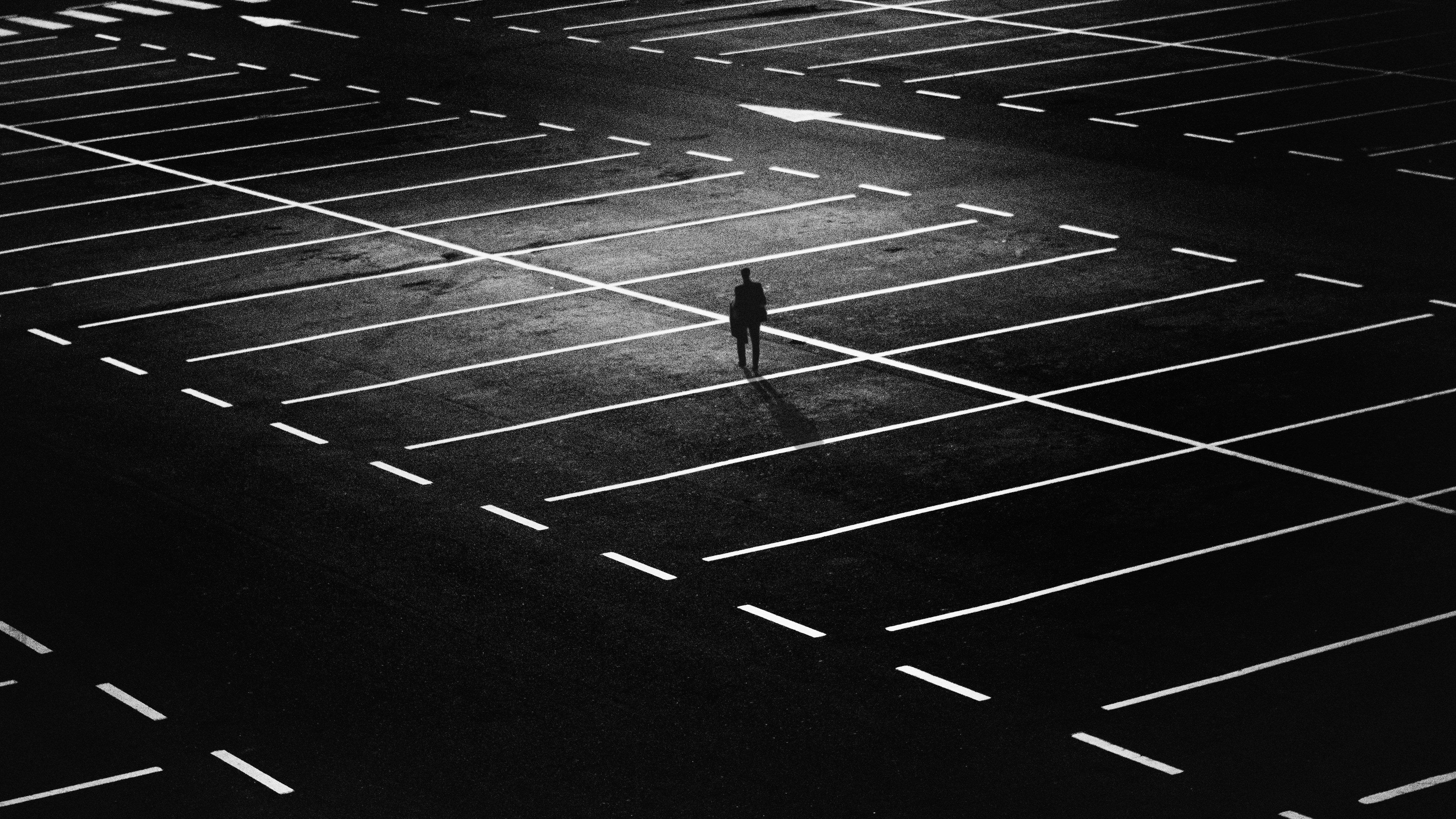 greetly-digital-receptionist-lonely-entrepreneur-office-parking-lot-1.jpeg