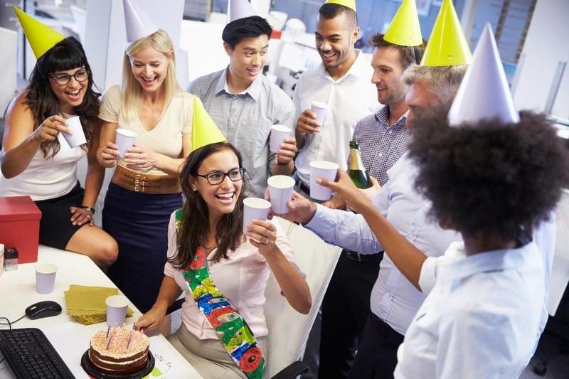employee perks ideas recognize employees