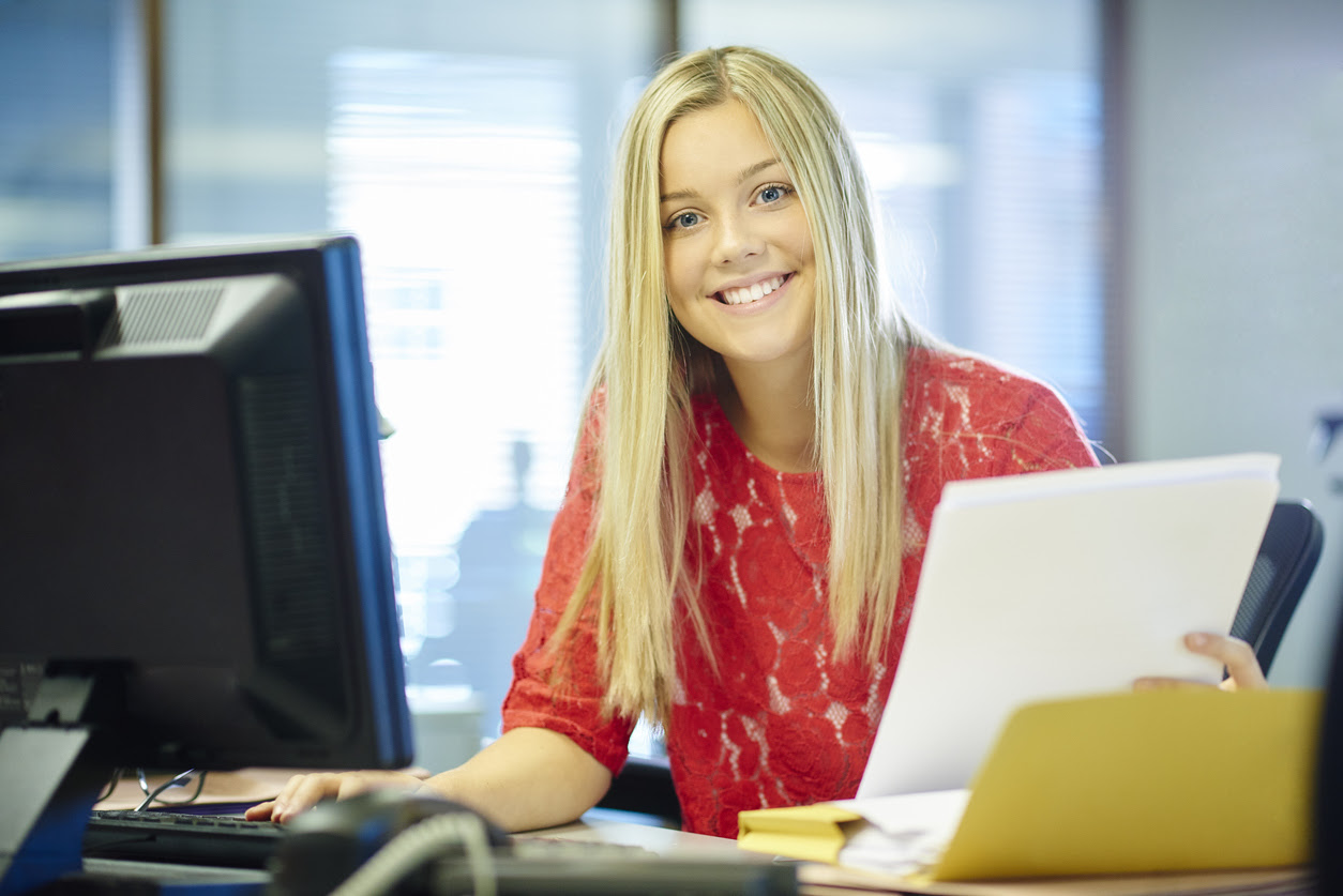 Greetly digital visitor logs help the office receptionist